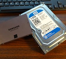 What's the Difference Between a Mechanical Hard Drive and an SSD?
